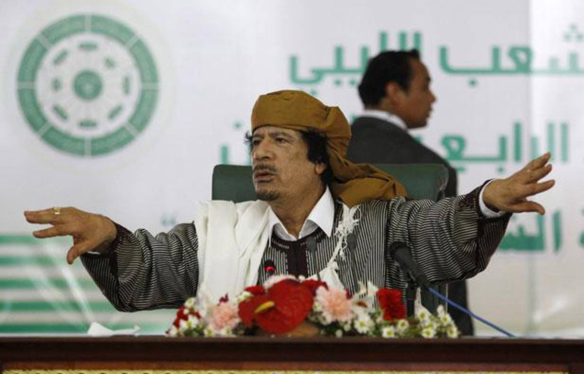 Le leader libyen, Mouammar Kadhafi, lors de son discours à Tripoli, le 2 mars 2011. – REUTERS/Ahmed Jadallah