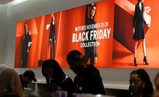 Le Black Friday dans un magasin H&M à New York le 25 novembre 2016.