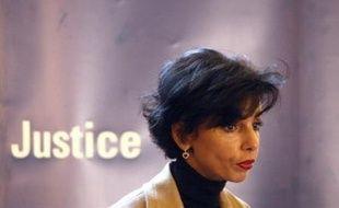 """La ministre de la Justice Rachida Dati a insisté mercredi au Sénat pour une """"application immédiate"""" de son projet de loi sur la rétention de sûreté, y compris pour les personnes déjà condamnées, refusant de voir dans cette disposition une forme de rétroactivité."""