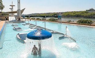 Lyon toujours des remous autour des tarifs de la piscine for Piscine du rhone