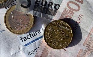 """Le Médiateur national de l'énergie relance son appel à la création d'un """"chèque énergie"""", un dispositif qui serait doté d'au moins un milliard d'euros, pour lutter contre la précarité énergétique, un mal qui ne cesse de s'étendre en France."""