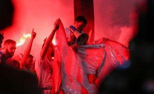 Le rouge va bien aux supporters de l'OM (ici à Lyon lors de la finale de la Ligue Europa).