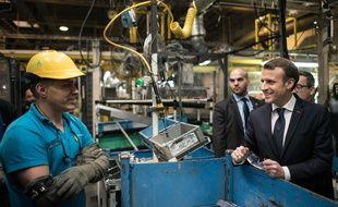 Emmanuel Macron visite l'usine Toyota d'Onnaing, le 22 janvier 2018.