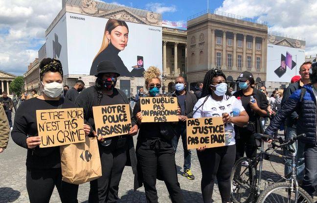 Près de 1.500 personnes étaient rassemblées samedi après-midi près de l'ambassade américaine à Paris en hommage à George Floyd et pour dénoncer les violences policières en France.