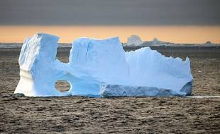 Un iceberg dans l'Antarctique (illustration).