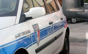 Un véhicule de la police municipale de Saint-Grégoire, près de Rennes.