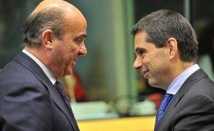 La dette publique de l'Espagne a fortement progressé au cours du dernier trimestre 2012, établissant un nouveau record à 84,1% du PIB, un niveau préoccupant du fait des taux d'intérêt élevés auxquels le pays emprunte sur les marchés.