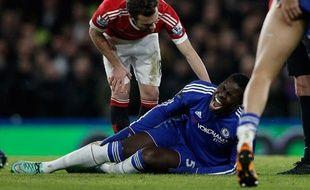 Sérieusement blessé au genou, Kurt Zouma manquera l'Euro 2016.