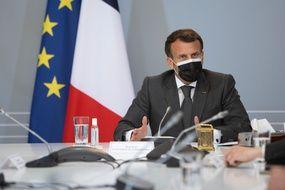 Emmanuel Macron rencontrera le jeudi 22 avril 2021 des soignants et des patients à l'hôpital Foch de Suresnes, pour évoquer la prise en charge des patients qui souffrent de symptômes persistants du Covid.