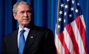 """Le président George W. Bush a appelé mardi soir celui qui doit lui succéder, le démocrate Barack Obama, pour le féliciter de sa victoire lors d'une """"superbe"""" soirée électorale, a indiqué la porte-parole de la Maison Blanche, Dana Perino."""