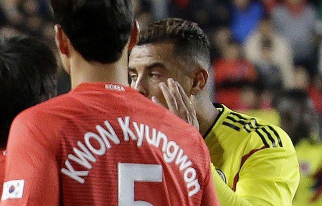 Corée du Sud-Colombie: Cardona prend cinq matchs de suspension pour avoir mimé des yeux bridés