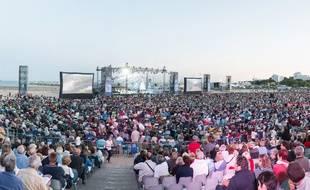 Sur la plage, Violon sur le sable rassemble 40.000 spectateurs par concert.