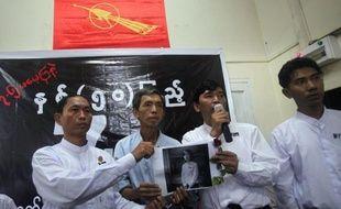 Tous les leaders étudiants interpellés vendredi en Birmanie ont été libérés après un peu moins de 24 heures d'une détention jugée par leurs pairs comme un pas en arrière du pouvoir, qui n'avait pas mené ce type d'opérations depuis la dissolution de la junte, en mars 2011.