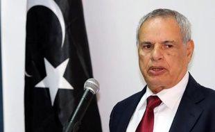 Le Premier ministre libyen Ali Zeidan, a annoncé jeudi que le ministre de la Défense, Mohamed al-Barghathi, allait être remplacé, au lendemain d'affrontements meurtriers entre milices à Tripoli.