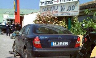 La voiture de Xavier Dupont de Ligonnès a été retrouvée devant un hôtel Formule 1 de Roquebrune-sur-Argens, le 22 avril 2011.