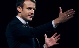 Emmanuel Macron en meeting.