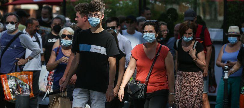 A Toulouse, comme dans de nombreuses autres villes de France, le masque est à nouveau obligatoires en extérieur dans la rue.