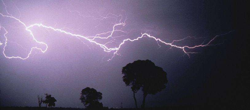 Un orage. Illustration.