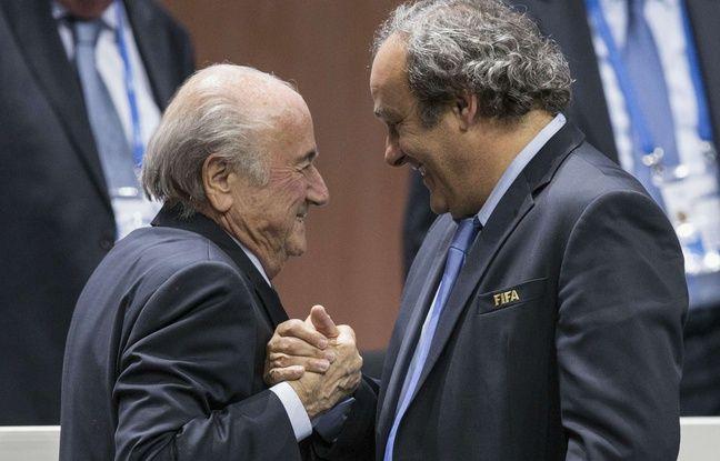 Sepp Blatter et Michel Platini se saluent, le 29 mai 2015