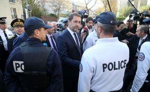 Le nouveau ministre de l'Intérieur Christophe Castaner à la rencontre des policiers aux Lilas (Seine-Saint-Denis), le 16 octobre 2018.