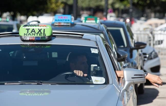 Manifestation de chauffeurs de taxis nantais contre l'arrivée d'Uber, le 6 juin 2018.