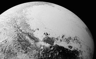 Cette mosaïque d'images prise par la sonde New Horizon représente la surface de Pluton.