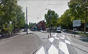 Station de tram Rives de l'Aar à Schiltigheim. Capture d'écran Google street view