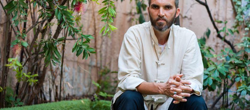 Ludovic Mohamed Zahed, Imam et homosexuel, dans la cour de son institut, à Marseille.