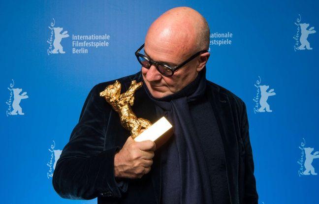 Gianfranco Rosi a reçu l'Ours d'or du meilleur film pour son documentaire sur les réfugiés «Fuocoammare», le 20 février 2016.
