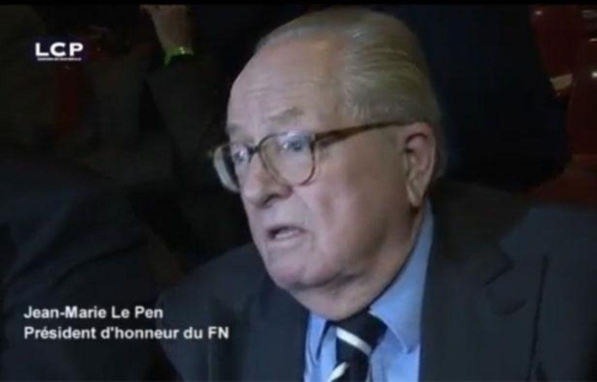 Capture d'écran d'une cidéo LCP où Jean-Marie Le Pen compare le meeting de la Concorde de Sarkozy à Nuremberg. – DR