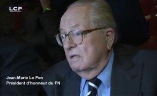 Capture d'écran d'une cidéo LCP où Jean-Marie Le Pen compare le meeting de la Concorde de Sarkozy à Nuremberg.