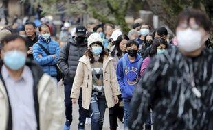 Les masques ont aussi fait leur apparition au Japon.