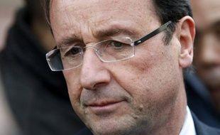 """Le candidat PS à la présidentielle François Hollande a fait part jeudi de sa """"profonde tristesse"""" après la mort de deux légionnaires français en Afghanistan, tués par un soldat de l'Armée nationale afghane (ANA)."""
