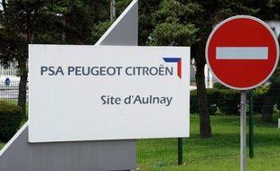 A Aulnay-sous-Bois, des agences d'intérim continuent de proposer des emplois à l'usine PSA, promise à la fermeture en 2014, ce qui n'empêche pas les intérimaires d'être très inquiets: ils savent que bientôt, ils devront partir sans indemnité et sans perspective.