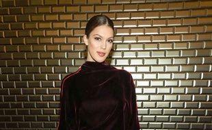 Iris Mittenaere à la Fashion Week, le 23 janvier à Paris.