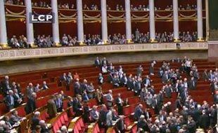 Capture d'écran de la séance à l'Assemblée durant laquelle le gouvernement a quitté l'hémicycle, le 7 février 2012.