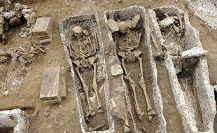 Une nécropole mérovingienne (VIe-VIIe) d'au moins 600 squelettes a été découverte en Picardie, à Monchy-Lagache (Somme). (Illustration - une ancienne nécropole mérovingienne et carolingienne, à Noisy-le-Grand)