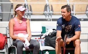 Kristina Mladenovic en compagnie de son ancien entraîneur Sascha Bajin.