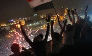 Des Egyptiens explosent de joie à l'annonce de la mise à l'écart de Mohamed Morsi.