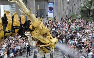 Le cheval-dragon mécanique Long Ma, le 23 août 2015, à Nantes.