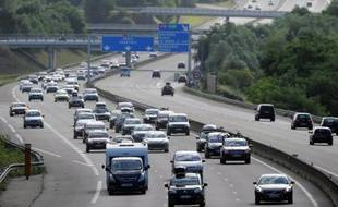 Le gouvernement va instaurer en 2014 la possibilité d'une circulation alternée lors des pics de pollution aux particules fines et aux oxydes d'azote (NOx) selon les numéros de plaques d'immatriculation des véhicules, a annoncé mercredi le ministère de l'Ecologie.