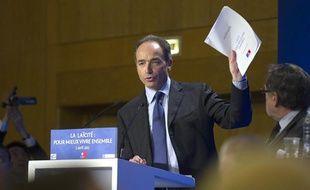 Jean-François Copé lors du débat sur la laïcité organisé par l'UMP à Paris, le 5 avril 2011.
