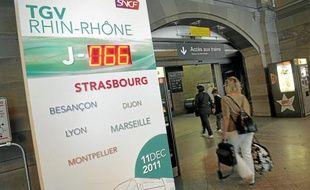 La LGV ouvrira le 11 décembre, comme l'indique un compte à rebours à la gare de Strasbourg.