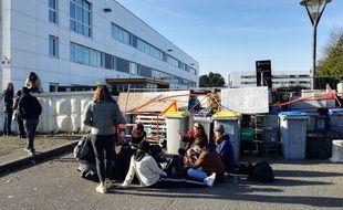 Blocage du lycée Les Bourdonnières à Nantes.