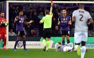 Les défenseurs du TFC Steven Moreira et Ruben Gabrielsen ont été expulsés contre Nice.