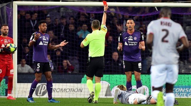 Deux expulsions, penalty raté… Le TFC repousse les limites de la lose