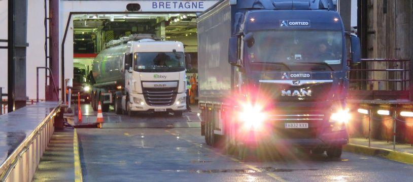 Plusieurs milliers de camions transitent chaque année par le port de Saint-Malo.