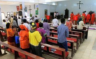 Des chrétiens dans une église de Khartoum, la capitale soudanaise, le 21 avril 2011.