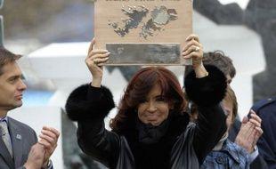 Le Premier ministre britannique David Cameron a déclaré dimanche que la Grande-Bretagne serait prête, si nécessaire, à se battre pour conserver les Malouines, archipel de l'Atlantique sud revendiqué par l'Argentine et objet depuis des mois d'un regain de tensions entre les deux pays.