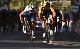 Julian Alaphilippe a terminé 2e de l'édition 2020 de Mian San Remo, derrière Wout Van Aert.